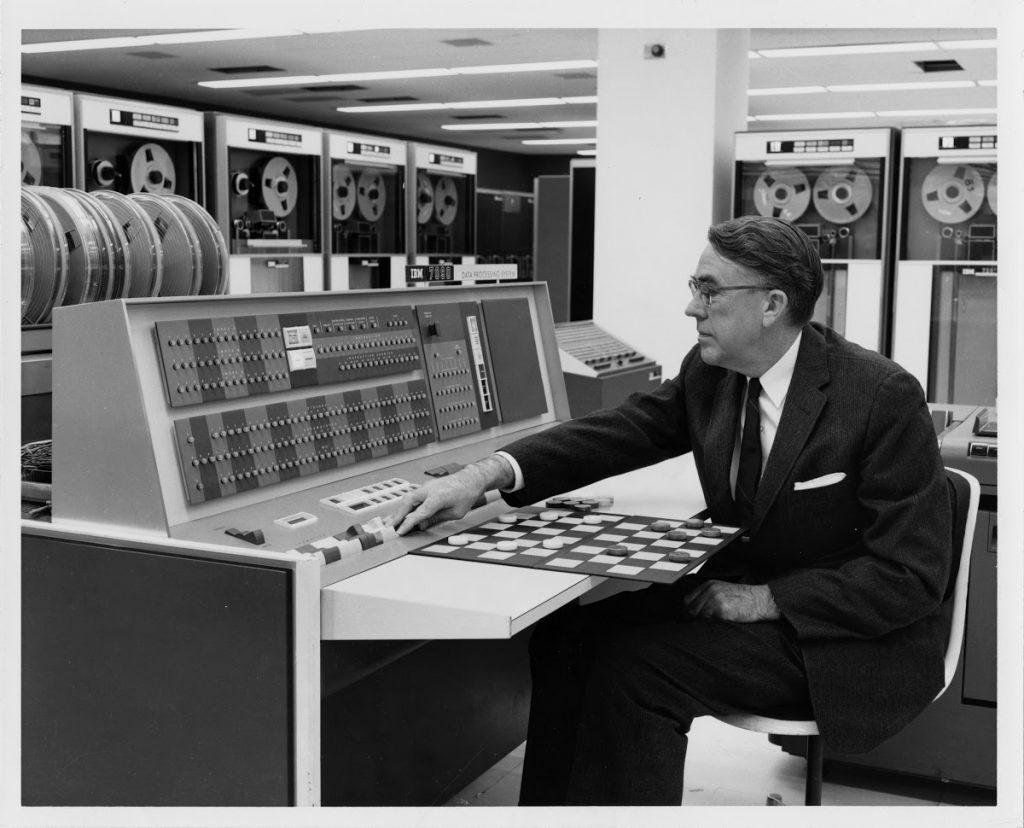 Arthur Samuel, criador do conceito de Machine Learning.
